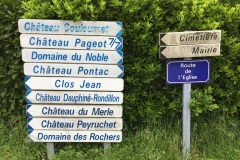 Signs to all the Chateaux