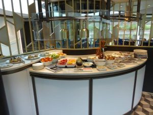 Crystal Bistro buffet