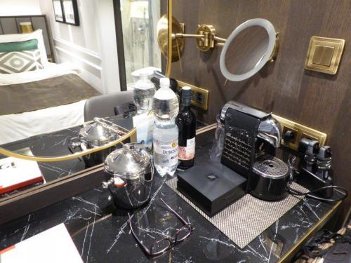 Crystal Petite Suite Desk